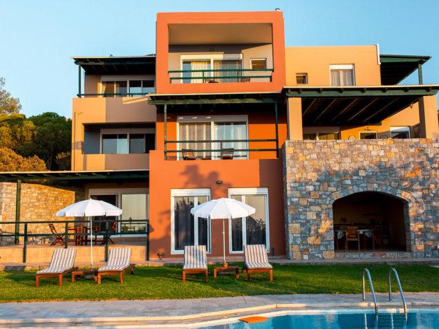 Large villa for sale in Crete