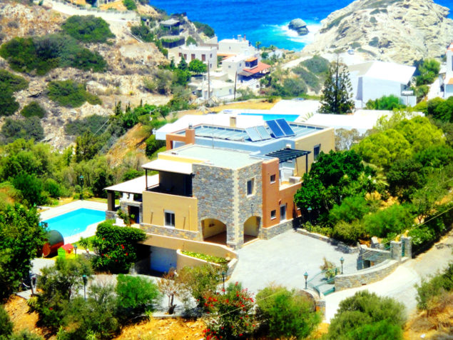 For sale a large, comfortable villa on the sea in Crete